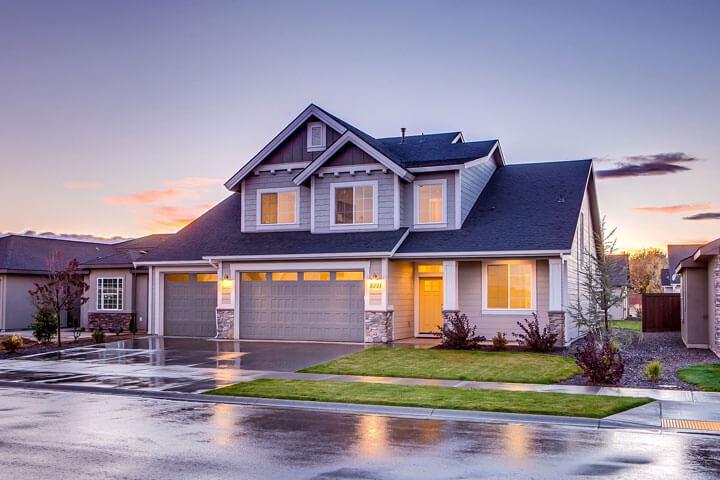 Behandeln von Regenwasser an einem Haus
